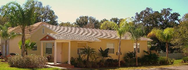 Charming Exterior - ALL INCLU 2/2! 1RST FL!  REMD'LD! GLF/BCH CLOSE! - Clearwater - rentals