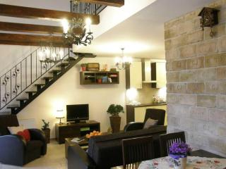 Budapest Balcony Apartment for 2 to 6 Guests - Budapest vacation rentals