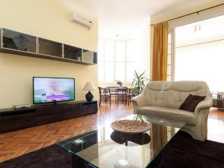 Apartment Jokai Classic with Balcony and A/c by Liszt Ferenc Square - Budapest vacation rentals