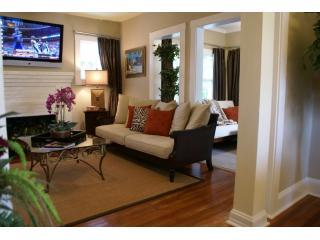 Spacious Floor Plan - Great for Families - Casa del Artista Craftsman Bungalow - West Palm Beach - rentals
