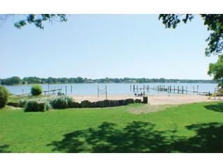 View of Lake Macatawa from the Kiwi House Deck - 3 Bedroom 2 Bath Lakefront Home - Holland - rentals