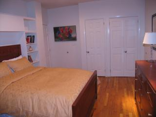 the larger bedroom - A Great Place to Stay in Park Slope - Brooklyn - rentals