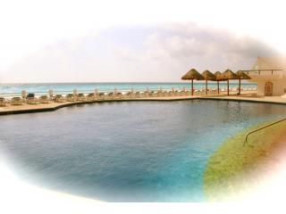 Main Pool - On a Budget..3 Bedrooms... Unbelievable Value - Cancun - rentals