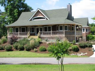 Carolina Coastal Waterfront - Pool /Hot Tub/ Dock - Kitty Hawk vacation rentals