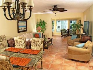 Siesta Key Gulf View 2 Bedroom Condo Sunset Royale - Siesta Key vacation rentals