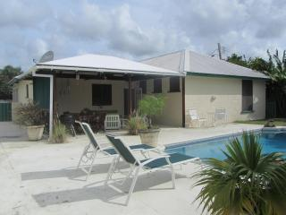 Beautiful holiday home near beach and restaurants. - Hastings vacation rentals