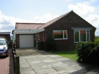 1 front drive - Beautiful 2 bedroomed bungalow with fantastic view - Whitby - rentals