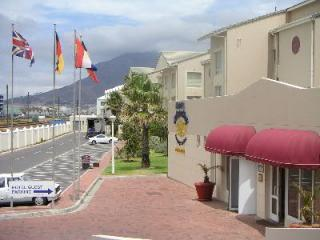 Accommodation Cape Town Leisure Bay Holiday lets - Cape Town vacation rentals