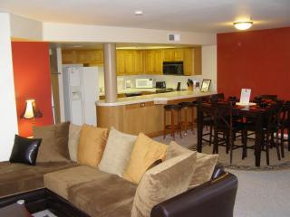 Living Room, Dining Room, and Kitchen - San Diego Beach Club Condo with Ocean View - Imperial Beach - rentals