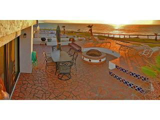 crv506bdecksouth2 - Oceanfront 3 bdrm villa with private beach - Baja California - rentals