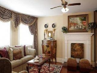 Huge Apartment on Jones Street - Sleeps 6 - Savannah vacation rentals