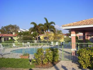 Gated Family Compound - Bring family and friends - North Redington Beach vacation rentals