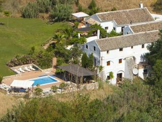 El Molino del Conde - Beautiful mill in Andalucia - Villanueva de Tapia vacation rentals