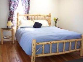 bedroom - Riverside Cottage - Conner - rentals
