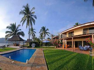 4 bedroom unique villa right on sandy beach - Manzanillo vacation rentals
