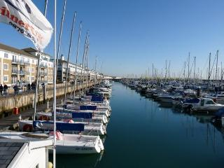 Sea Fizz, chic holiday apartment , Brighton Marina - Brighton vacation rentals