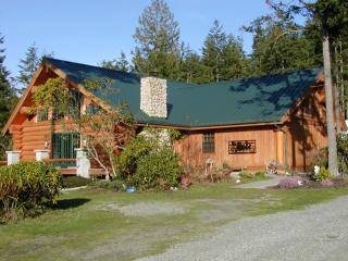 Handcrafted Log Home on 20 Acres near Ocean Beach - Oak Harbor vacation rentals