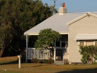 Maisies Cottage Busselton - Margaret River Region - Busselton vacation rentals