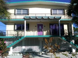 Key Colony Beach Waterfront Duplex 3 bedrooms+Pool - Key Colony Beach vacation rentals