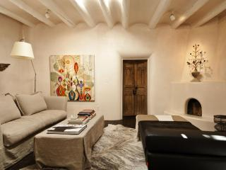 A CANYON RD. SECRET GARDEN MEETS PERFECT LUXURY - Santa Fe vacation rentals