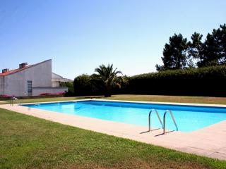 Luxury house with pool, tennis court and garden. - Porto vacation rentals