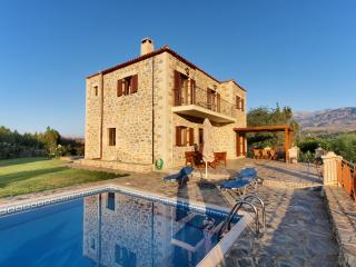 Gianna Villa,a traditional villa with private pool - Chania vacation rentals
