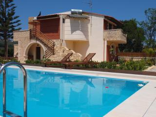 Neriana Villa,a homely villa with beautiful garden - Chania vacation rentals