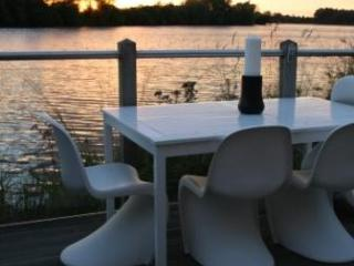 Award winning large lodge with outstanding reviews - Cirencester vacation rentals
