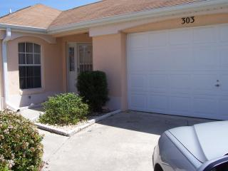 The Villages Fla. 2/Bed /2Bath Courtyard  Villa - The Villages vacation rentals