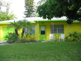 Dolphin Cottage - Holmes Beach vacation rentals