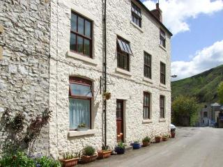 THE BARN COTTAGE pet friendly, country holiday cottage in Litton Mill In Miller's Dale, Ref 3937 - Buxton vacation rentals