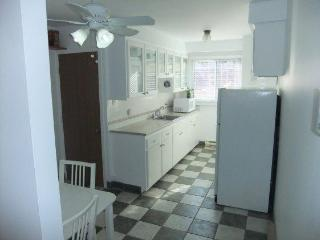 Bright fully equipped 2BR vacation rental in MTL - Montreal vacation rentals