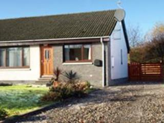 Appletree Villa with large driveway - Appletree Villa Aviemore Self Catering - Aviemore - rentals