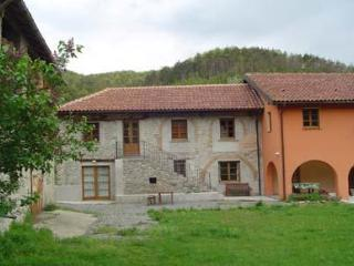 Cascina (selfcatering, sleeps 2-6) with pool - Savona vacation rentals