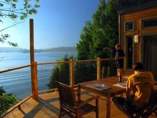 Year round lakefront cottage: Chalet Rose-et-Lys - Bouchette vacation rentals