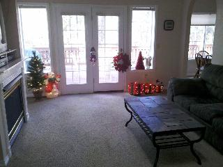 Thanksgiving Special! Book now, avail thru 12/15 - Show Low vacation rentals