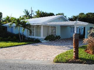 Walk to Ocean-Beautifull 4 Bd 2BA Juno Beach House - Juno Beach vacation rentals
