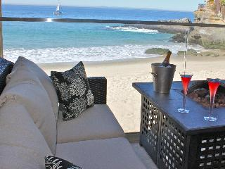 Stunning Front Row, on the Sand at Laguna Lido - Honolulu vacation rentals