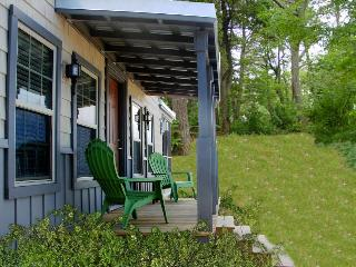 Charming Cottage on a Private Lake in Cape Cod! - Long Key vacation rentals