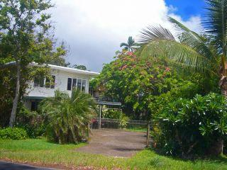 Hibiscus House at Holloways Beach - 'Aussie' Beach Home, 50M to the sand, sea views. - Holloways Beach - rentals