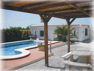 One bed accomodation in quiet location S.W. Spain - Chiclana de la Frontera vacation rentals