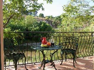 Luxury Riverside Apartment 25mins from Carcassonne - Lagrasse vacation rentals