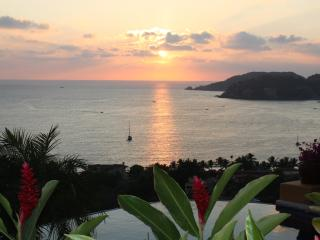 Zihua 2 BDRM  Spectacular Ocean View  Great Rates! - Zihuatanejo vacation rentals