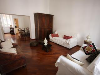Colosseo Laterani (WIFI) - Rome vacation rentals