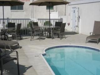1 blk to beach Wildwood Crest 3BR/2Bath; pool, WiFi, elevator--nice! - Wildwood Crest vacation rentals