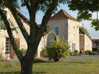 Charming Pigeonnier in Small Hamlet - Eymet vacation rentals