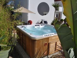 Villa Relax with hot JACUZZI and pool near beach - Lisbon vacation rentals