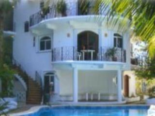 Premium unit one flight to entry...located directly above pool! - Romantic & Magical Casa Turquesa Free Ocean Kayak - Cozumel - rentals