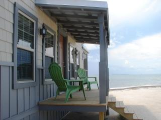 Charming Ocean Front Cottage on a Private Island! - Long Key vacation rentals