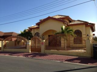 Lux. villa close to beach with pool  **DEAL 2013** - Aruba vacation rentals